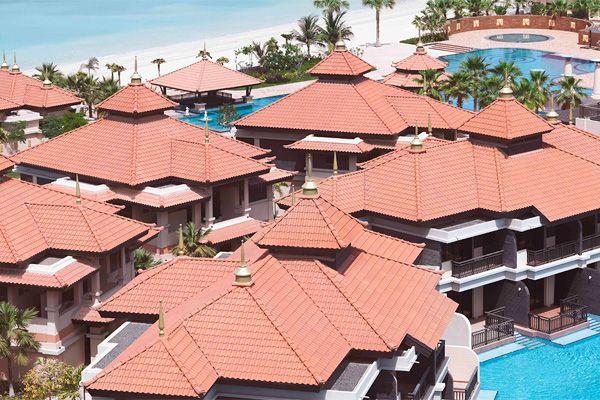 ANANTARA DUBAI THE PALM RESORT & SPA | HOTEL DUBAI | Situé sur le typique archipel de Palm Jumeirah à Dubaï, l'Anantara Dubai The Palm Resort & Spa propose une plage de sable privée, 3 piscines ainsi que 7 restaurants. Sur demande, vous pourrez pratiquer la plongée sous-marine ou avec tuba ainsi que d'autres sports nautiques. Le quartier Palm Jumeirah est un choix idéal pour les voyageurs qui s'intéressent à ces thèmes : relaxation, plage et shopping de luxe.