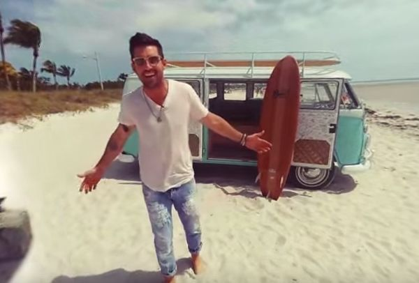 "Jake Owen Releases Interactive 360 Music Video For ""American ..."