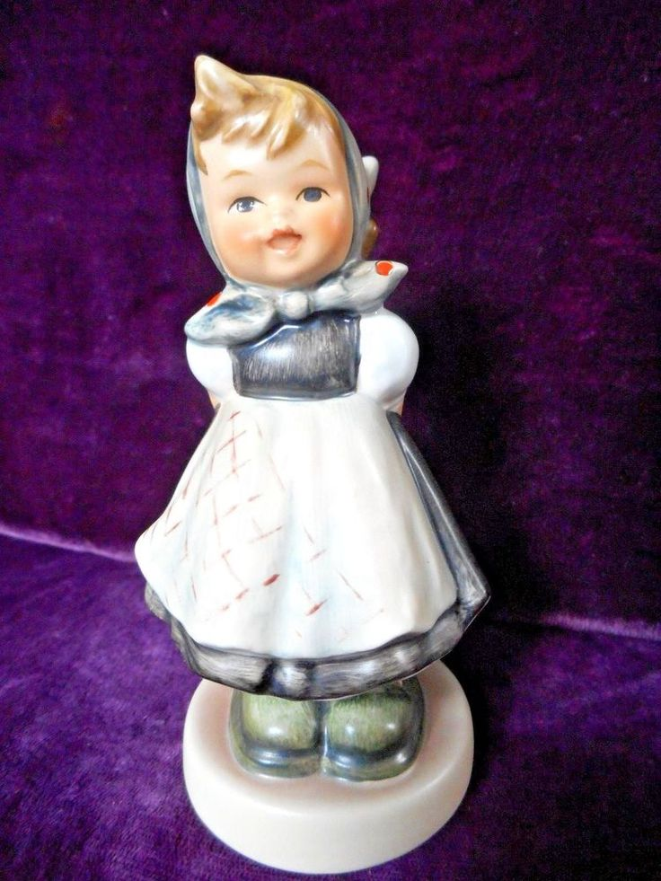 HUMMEL FIGURINE ALL SMILES #498 TMK 7 LIMITED EDITION MINT CONDITION