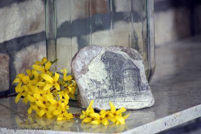 nietypowa dekoracja - decoupage na kamieniu  quite unusual - decoupage on a rock