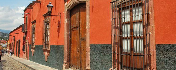 6 hostales y hoteles baratos y bonitos en San Miguel de Allende. ¿Quieres visitar San Miguel de Allende, pero no quieres gastar mucho dinero? con estos hostales y hoteles baratos y bonitos podrás ahorrar algunos centavos.