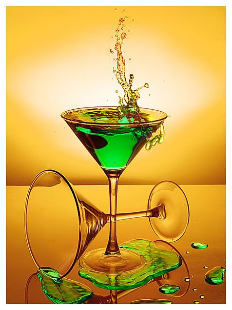 Google Image Result for http://spicelounge.files.wordpress.com/2009/06/martinis.jpgHappy Hour, Green Martinis, Emeralds Green, Colors, Quote, Neon Green, Drinks, Cocktails Recipe, Cocktails Anyone
