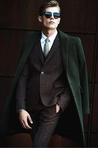 ブラウンスーツ×グレーネクタイの着こなし | スーツスタイルWEB