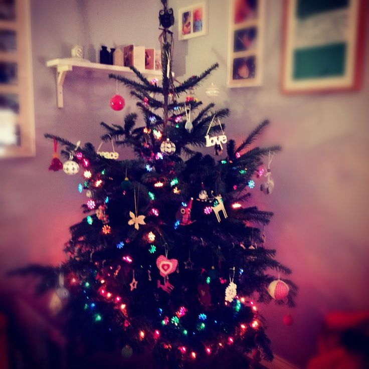 Christmas buffet menu ideas :http://daisiesandpie.co.uk/christmas-buffet-menu-ideas/