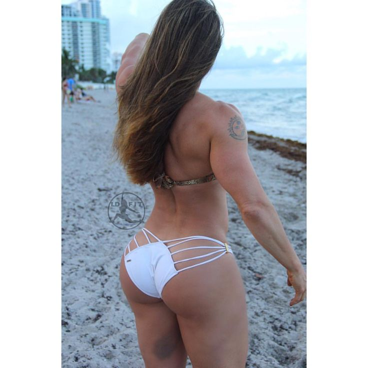 Linda Durbesson @wwwlindadurbessoncom #shesquatsbro #quadsquad #bikinibody #gorgeous #fitgirlsaresexy #aesthetic #motivation #sexyfit #fitfam #hotbody