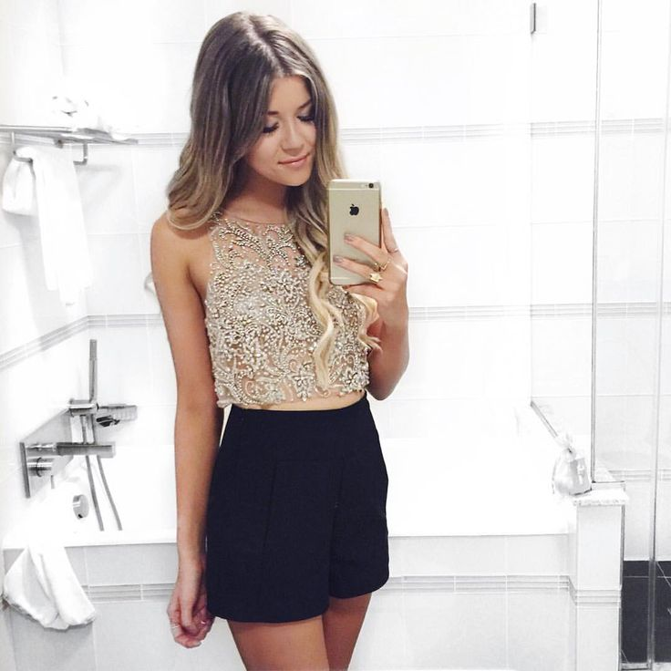 This top with a maxi skirt pls and ty