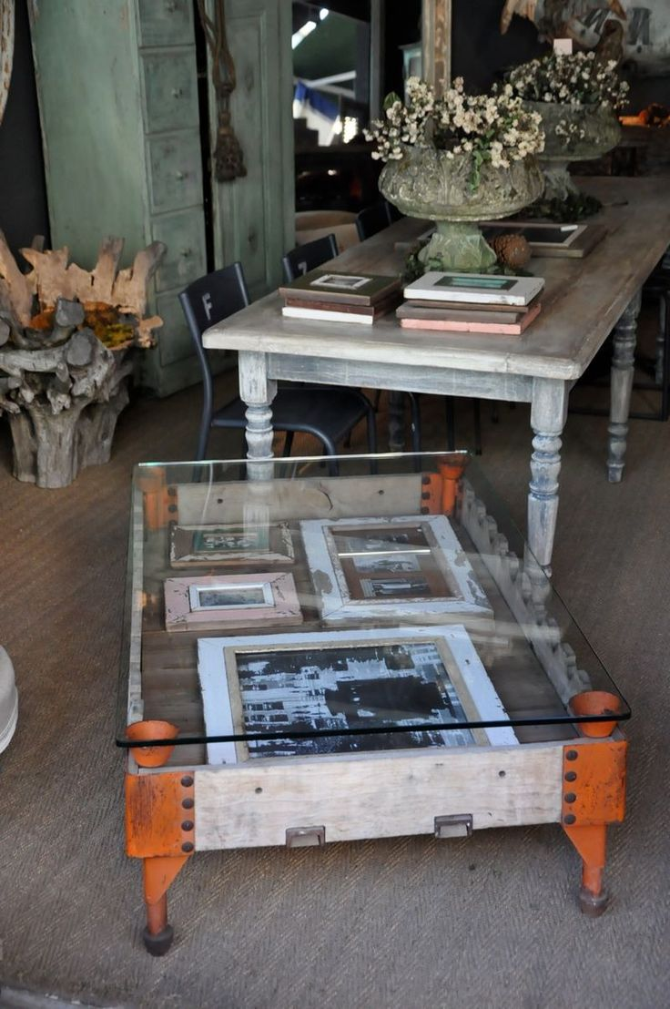 Paris Flea Market...lots of fabulous pictures...click on link to view http://brookegiannetti.typepad.com/