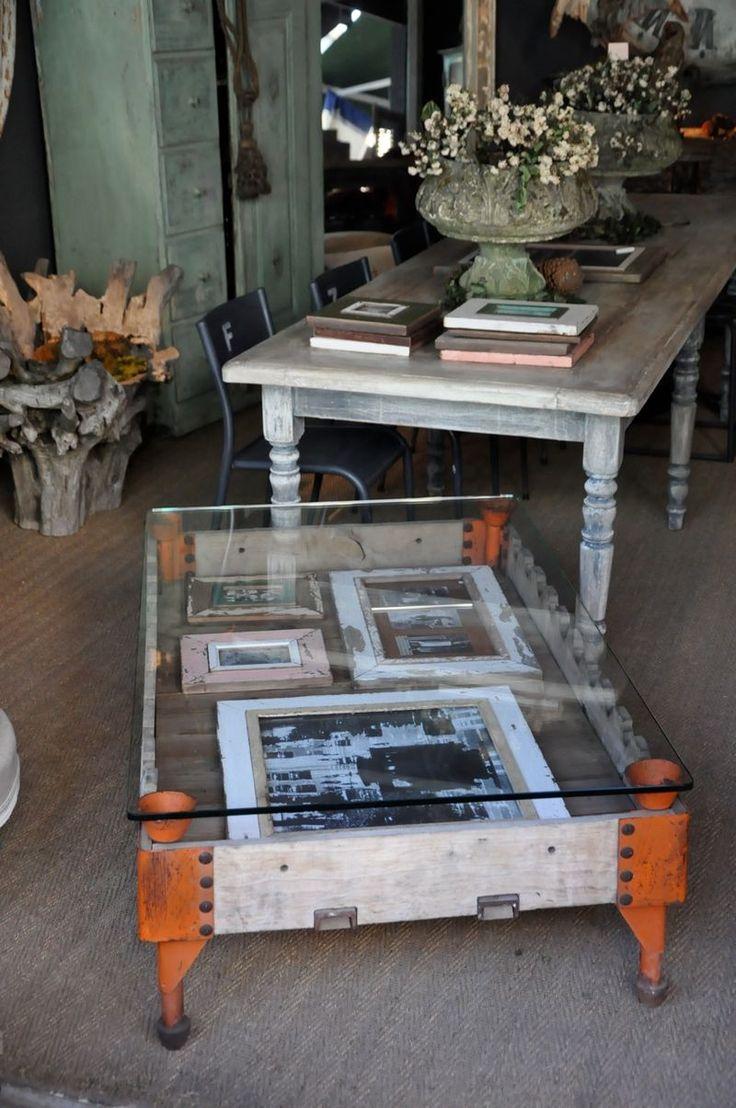 Paris flea market lots of fabulous pictures click on for Paris coffee table