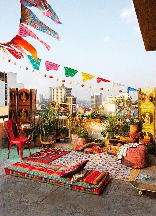Al igual que la moda, los demás campos de la vida también son movidos por  las nuevas tendencias. Las fiestas en los rooftop, son hoy definitivamente  una tendencia. Fiestas largas ...