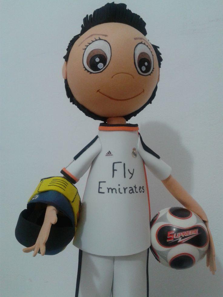 Fofucho Manuel. con casco de moto y balón de futbol. Mira en mi pagina de Faceboook Juliamania.