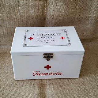 Arte lá em casa: Caixa para Remédio - Pharmacie