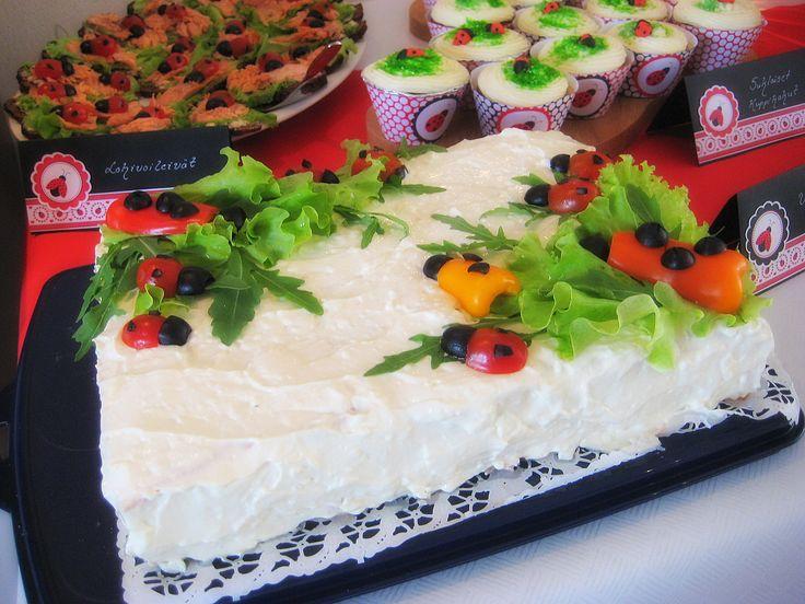 Ladybug sandwich cake