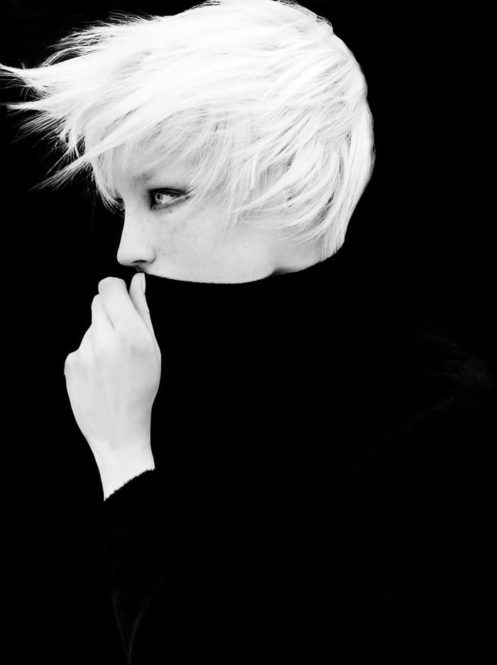 jade parfitt - short hair, 90s hairstyles - platinum blonde hair, supermodel  CREDITS: model: jade parfitt, photo : christopher griffith, styling : charlotte stockdale,  hair : nicolas jurnjack,  make up : gina crozier  http://instagram.com/nicolasjurnjack   http://fashion.telegraph.co.uk/news-features/TMG10527739/The-fashion-faithful-Charlotte-Stockdale.html