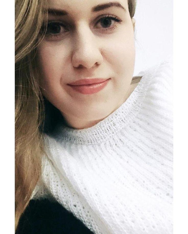 Wszystkiego najlepszego panowie  #czekam #na @poprostulukasz.media  #selfie #me #selfiegram #instaselfie #ja #i #sweterek #od #babci #instagirl #saturday #weekend #sobota #blog #blogerka #igers #igerslondon