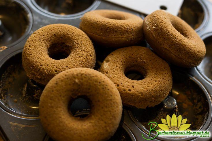 Esses donuts macios são deliciosos e o cheirinho deles é simplesmente maravilhoso. Não usei a cobertura da receita original, só a base mes...