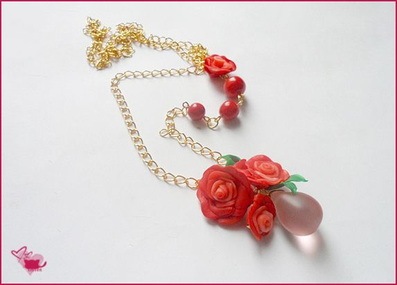 Pink tear, red roses and gold chain - summer neckle