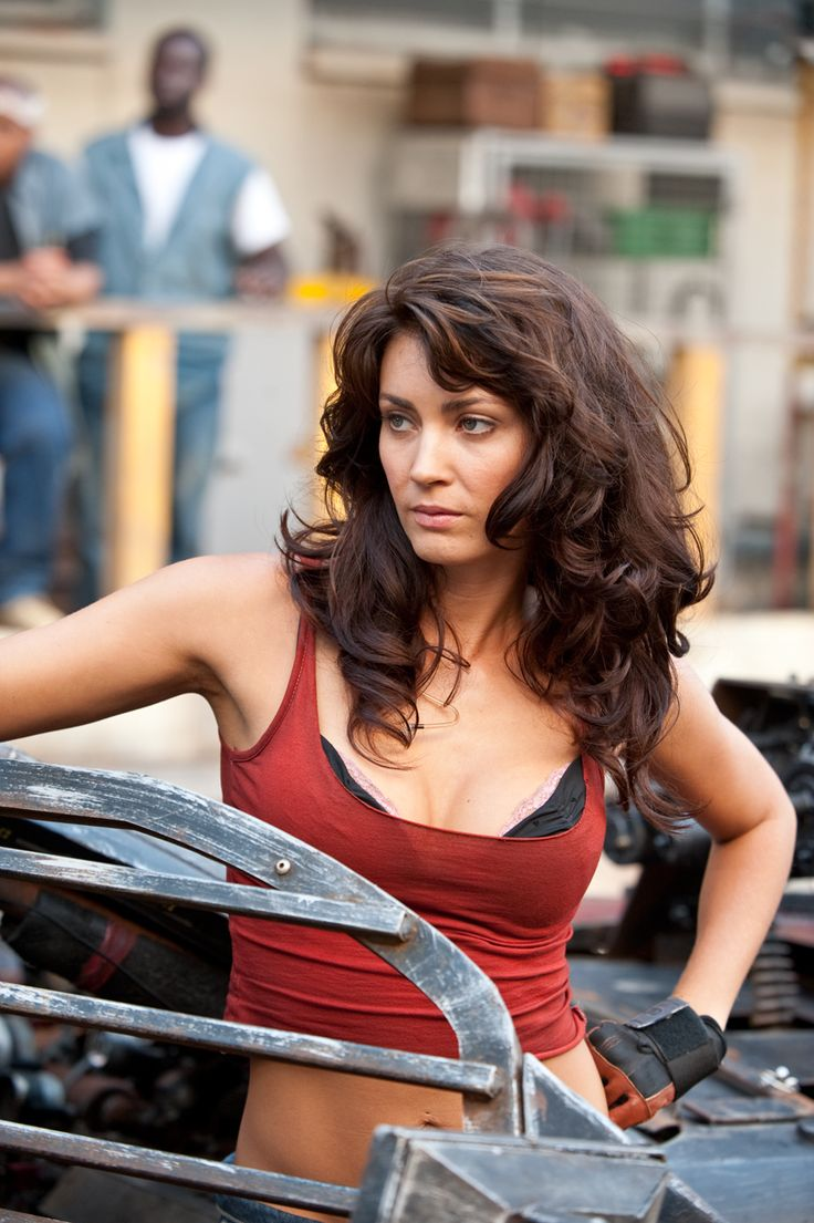 Tanit Phoenix Katrina Banks in Death race 2