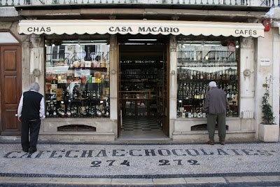 Casa Macario, Lisbon, Portugal  http://ddm.azurewebsites.net/wp-content/uploads/2013/03/165d1349268781-581193_10150660850662256_227833782255_9893722_1232993383_n.jpg