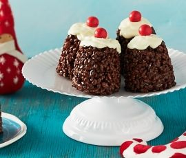 Christmas Crackle Puddings: A Christmas take on a childhood classic with ALLEN'S JAFFAS. http://www.bakers-corner.com.au/recipes/allens/christmas-crackle-puddings/