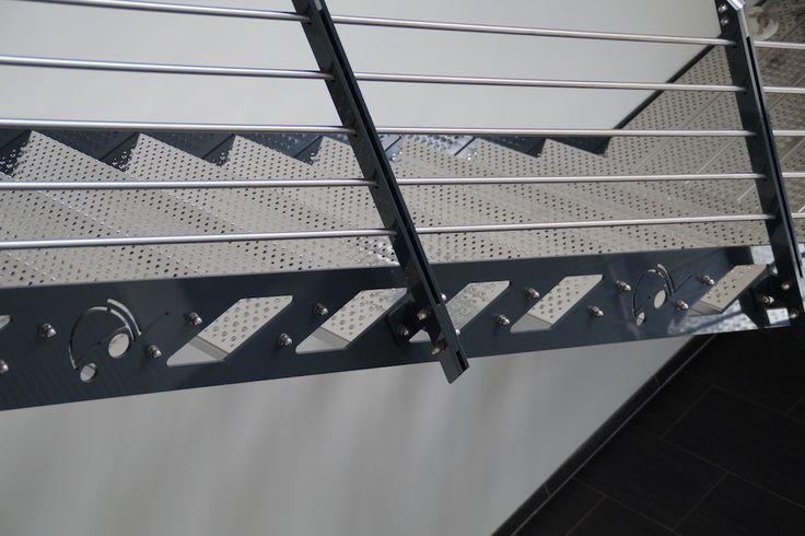 http://stahltreppen24.de/treppe-fuer-einen-neubau-des-staplerzentrum-westerwald-www-szww-de