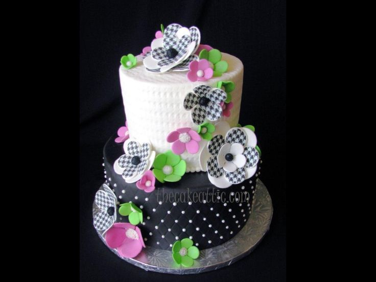 Pretty Dotted Flower Cake