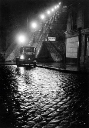 Vente Photographies le mardi 5 mai Willy Ronis – Rue Muller, 1934 (Lot 96)