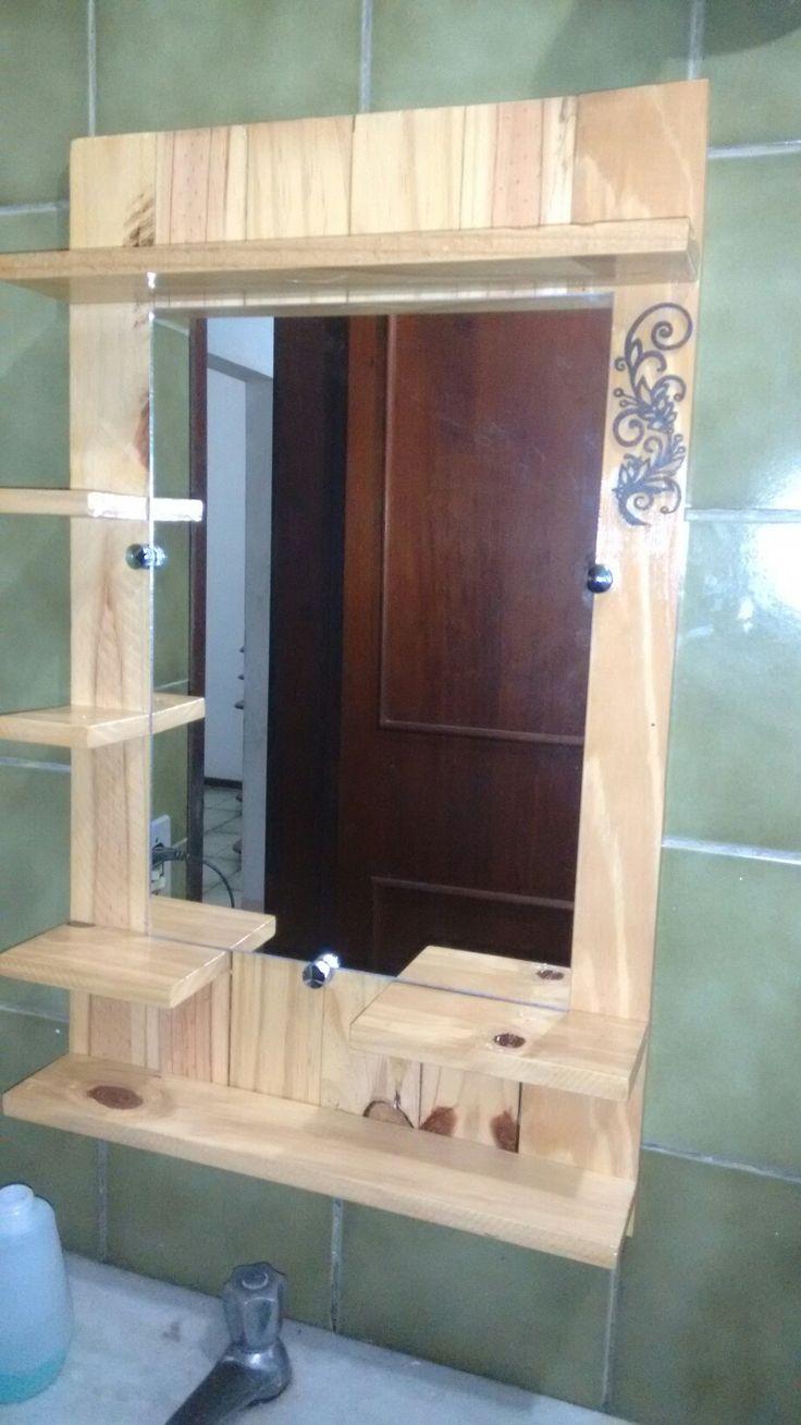 Painel p/ banheiro em  madeira de demolição.