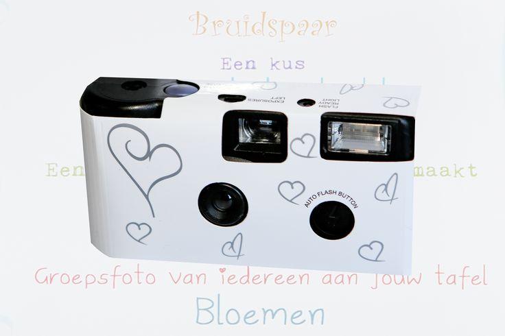 Met de camera en I Spy kaart gaan de kinderen op zoek naar de meest bijzondere kiekjes. #kids #wedding