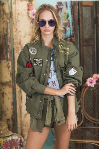 Lookbook Summer of Love Highly Preppy SS16 // Parka globo verde militar parches