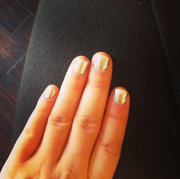 Lucy Hale's Chrome Mani At The TCAs — Get Her Look