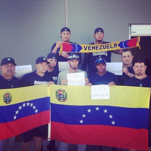 Venezolanos de los Marineros de Seattle expresan solidaridad con Venezuela #22F #ProtestaMundial #ResistenciaVzla  #PrayForVenezuela #SOSVenezuela