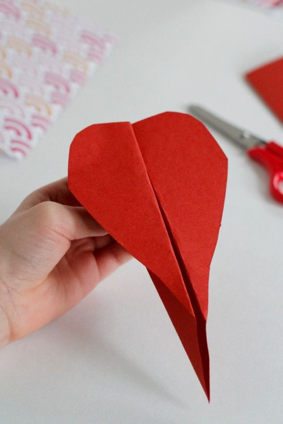 Folded Valentine Heart Airplanes @Yaffa Rasowsky and Takes.com