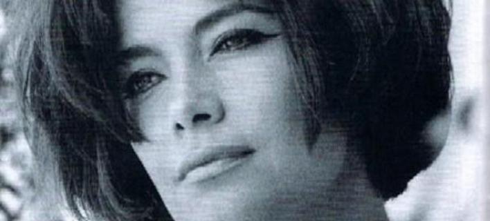 Η εντυπωσιακή φωτογράφιση μόδας με την Τζένη Καρέζη πριν 51 χρόνια [εικόνες]