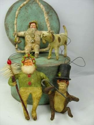 Antieke Type Spun Cotton Kerstman op Schommeling Ornament deur ArbutusHunter