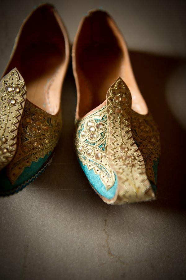 Punjabi Men Juti Wedding Shoes..love the color (blue and gold)
