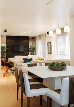 Minha Querida Reforma: Uma mesa branca para a sala de jantar....