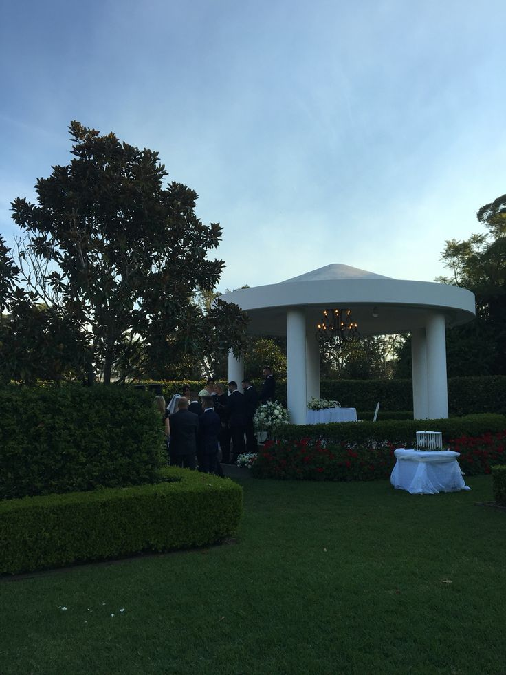 Miramar Gardens- White Diamond Doves.com.au