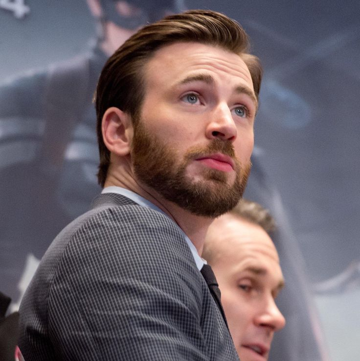 """#ChrisEvans - Chris Evans News (@cevansnews) on Instagram: """"#Throwback Chris Evans rings the NYSE Opening Bell (2014) Credits to:…"""""""