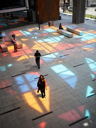 Entrada multicolor del Centro Cultural Gabriela Mistral | Galería ...