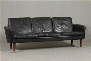 Køb og sælg moderne, klassiske og antikke møbler - Dansk møbelarkitekt. 2-pers.60`er sofa i sort læder. - DK, Herning, Engdahlsvej