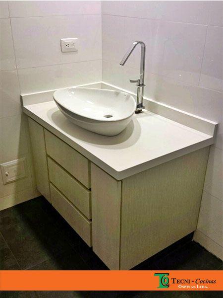 Mueble de baño con diseño personalizado #muebledebano #mueble #personalizado #formica #madecor #marmol #meson