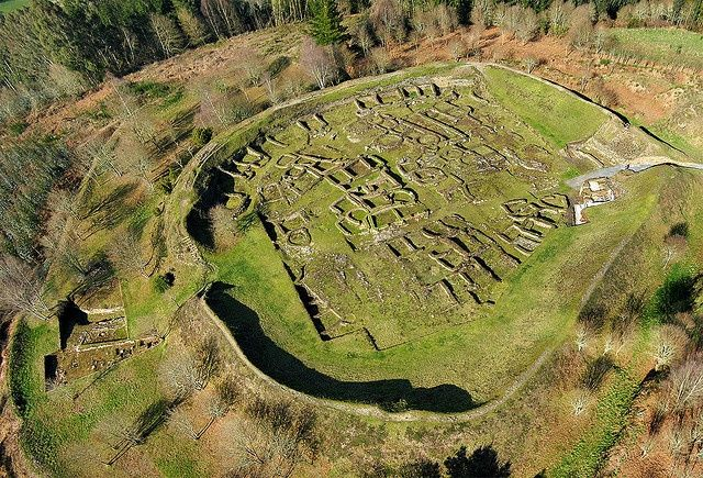 Castro Viladonga Castro de Viladonga is a well preserved Iron Age hillfort in Lugo, Spain (Galicia, Spain).