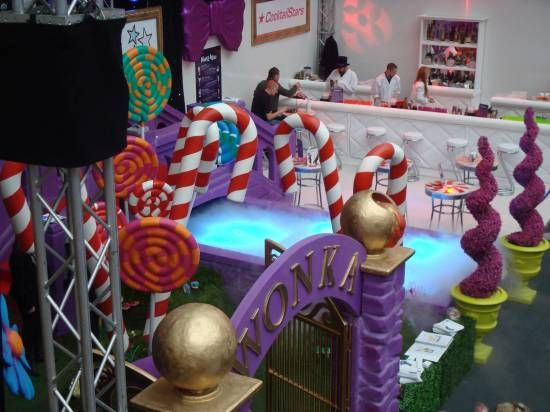 love the topiary idea! Willy Wonka Factory Gates Entranceway 3d Purple   Event Prop Hire