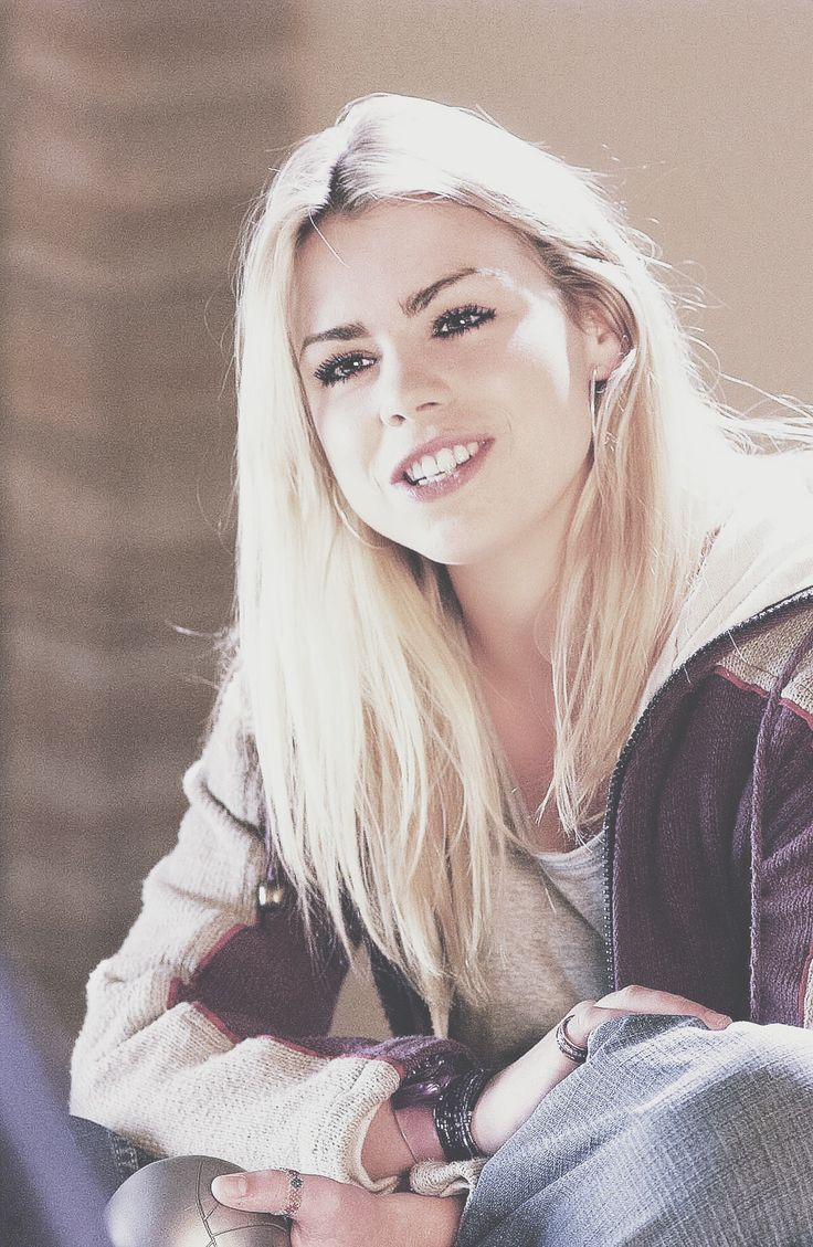 Rose Tyler. Doctor who - The end of the world 01x02