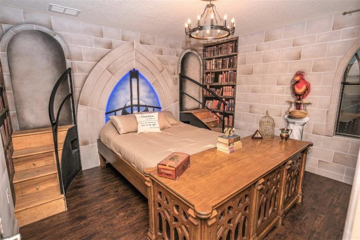 There S A Harry Potter Themed Airbnb In Florida And It S Truly Magical Harry Potter Bedroom Home Harry Potter Room