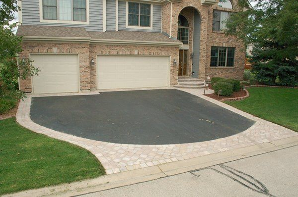 natural+look+asphalt+paver+driveway | When you can't afford the entire driveway, borders and aprons do the ...