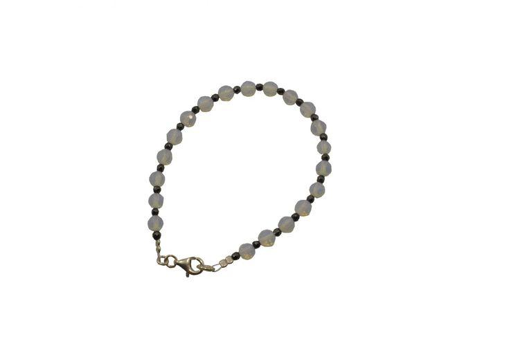 Βραχιόλι ασημένιο με φεγγαρόπετρα και αιματίτη - Bracelet with moonstone and hematite