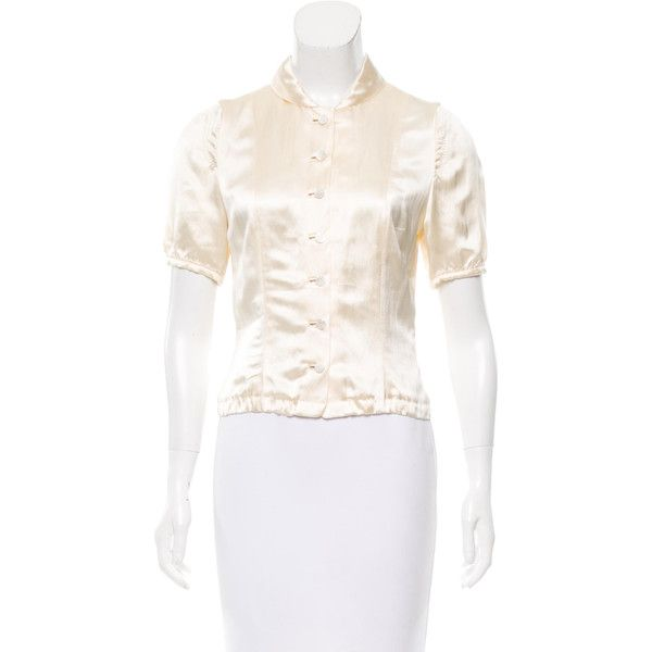 Pre-owned Louis Vuitton Short Sleeve Satin Blouse ($125) ❤ liked on Polyvore featuring tops, blouses, neutrals, short sleeve tops, louis vuitton, satin blouse, peter pan blouse and cream blouse