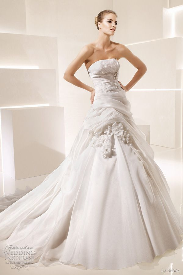 Strapless Ballgown. Just put sleeves on this baby and voila!