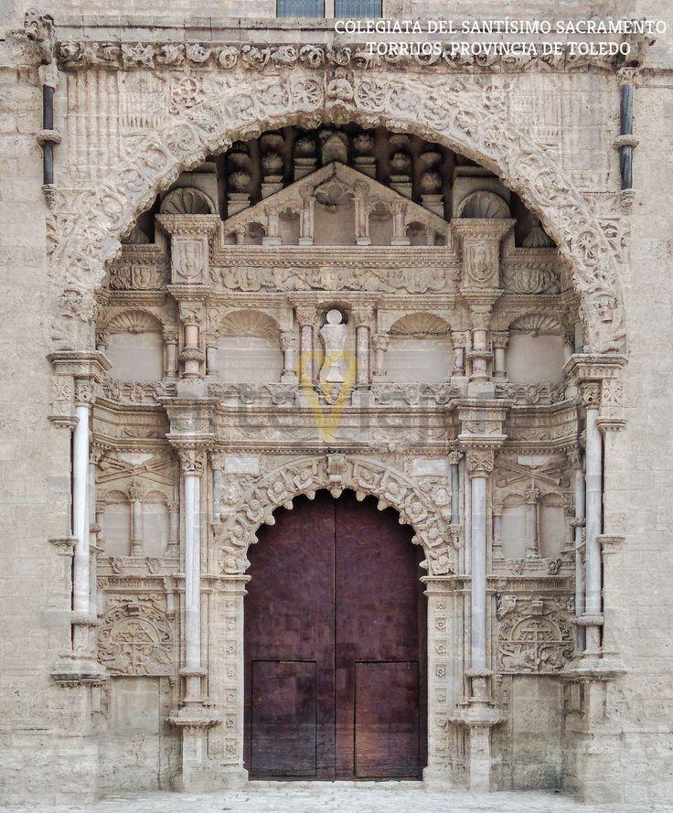 Colegiata del Santísimo Sacramento, Torrijos, provincia de Toledo. Vista de la magnífica portada de estilo plateresco, realizada por Alonso de Covarrubias